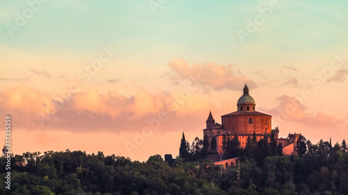 Printed kitchen splashbacks Historical buildings San Luca basilica church on Bologna hill, in a colorful twilight. orange and blue. in Italy