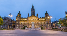 George Square In Glasgow At Ni...