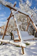 Beautiful Winter Yard,wooden S...