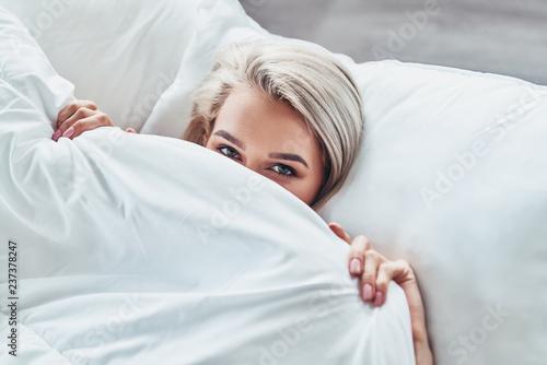 Fotografie, Obraz  Too lazy to wake up.