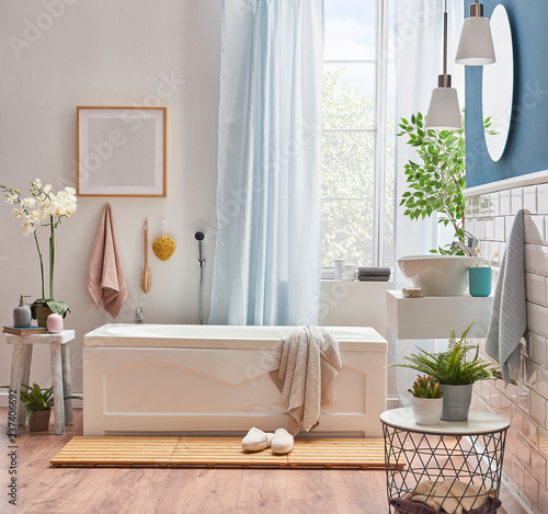 Irish Pearls Modern bath room luxury bath, tub and sink concept. Towel frame and curtain style with clipper.