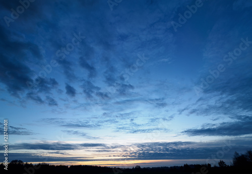 Foto  Dramatic Sky at Dusk High Resolution