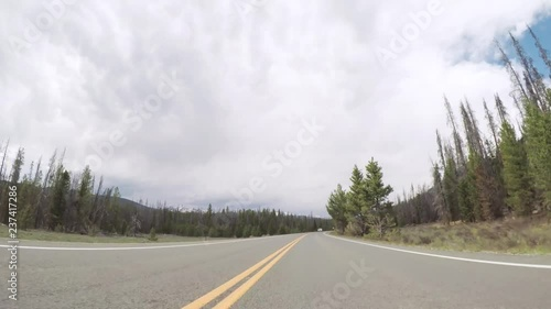 Wall mural - Driving on paved road in Rocky Mountain National Park