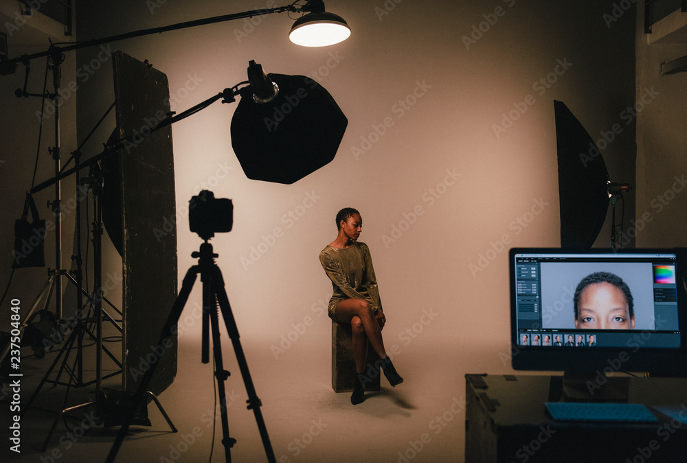Fototapety, obrazy: Female model posing for a photo shoot