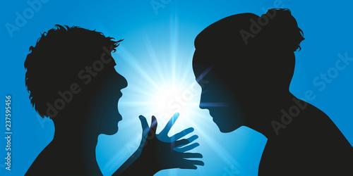 Photo Concept de l'échec de l'éducation parentale avec un adolescent agressif qui hurl