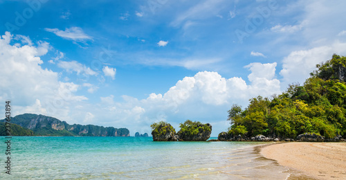 Foto op Plexiglas Asia land Amazing view of beautiful beach. Location: Krabi province, Thailand, Andaman Sea. Artistic picture. Beauty world
