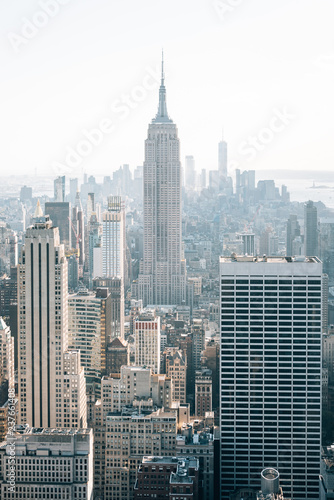 Poster New York City The Empire State Building and Midtown Manhattan skyline, in New York City
