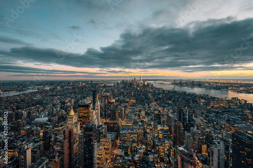 Deurstickers New York City View of the Manhattan skyline at sunset, in New York City
