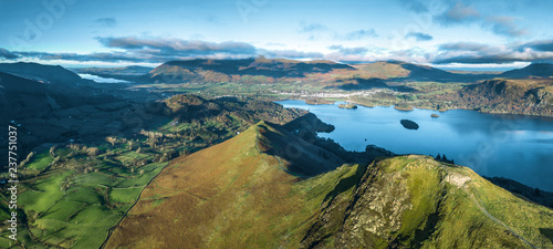 Tablou Canvas Lake District, UK- Panoramic aerial views over Cat Bells fell and Derwent Water