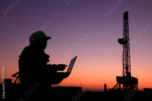 Oil drilling frame and exploration technician