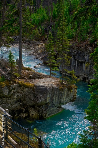 Fotografia  Teal waters of Marble Canyon in British Columbia