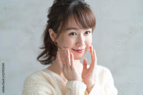 Fotografía  スキンケア・若い女性
