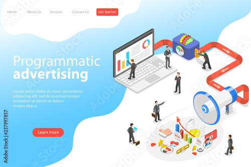 Photo  Flat isometric vector landing page template of programmatic advertising, social media campaign