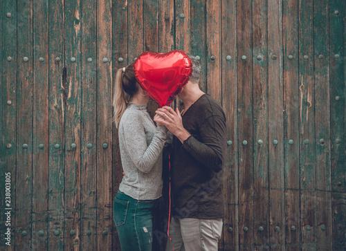 Fotobehang Hoogte schaal love