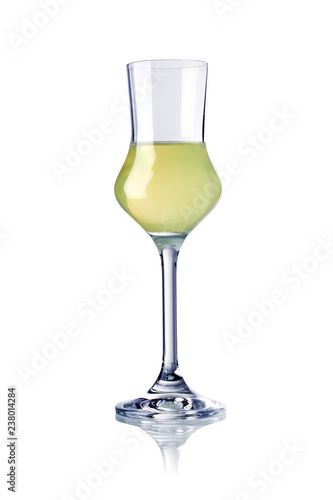 glass of limoncello liqueur isolated Fototapete