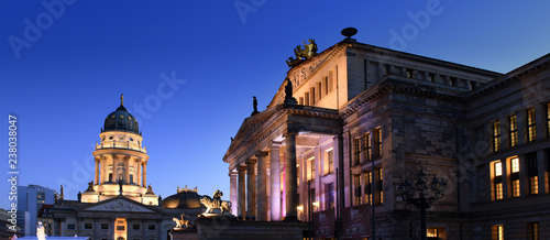 Foto op Plexiglas Theater Konzerthaus Berlin with lion statue on Gendarmenmarkt square at night with German cathedral in the background, Berlin City, Germany