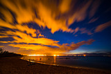 krajobraz nadmorski, nocą na plaży