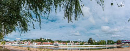 On the banks of the Sorraia River which flows into the Tagus River on the banks of the Sorraia River in Portugal, Ribatejo Region, Santarem, Coruche Fototapet