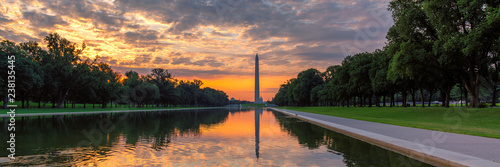 Deurstickers Amerikaanse Plekken Panoramic sunrise at Washington Monument, Washington DC, USA