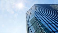 도심 한복판 고층빌딩