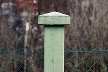 Wire Pillar Column Concrete Green Cap