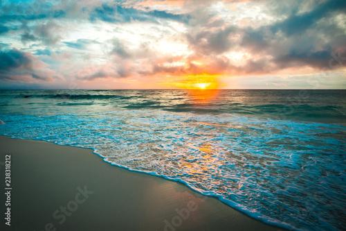 Fototapeta Colorful dawn over the sea obraz na płótnie