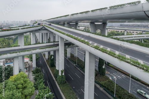 Fotografia Aerial view of elevated road and overpass in city