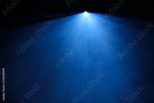Photo  spot lumière spectacle concert faisceau lumineux bleu led scène éclairage éclair