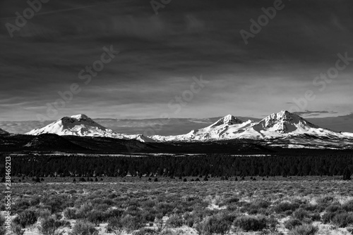 Three Sisters in Central Oregon Tablou Canvas