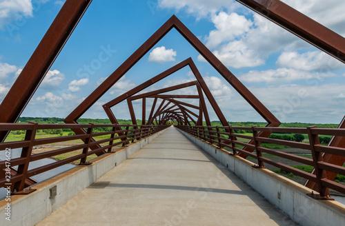 Twisting Bridge Over Rails to Trail Fototapete