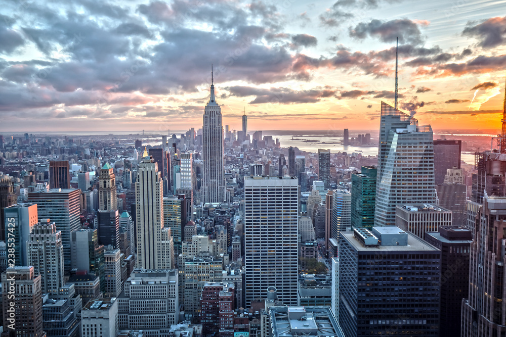 Photo  Empire State Building in New York at Sunset