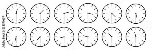 horizontal set of analog clock icon notifying each half an
