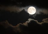 Full moon in the summertime