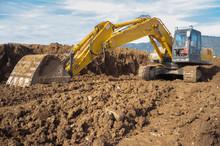 Earthmoving Excavator Preparin...