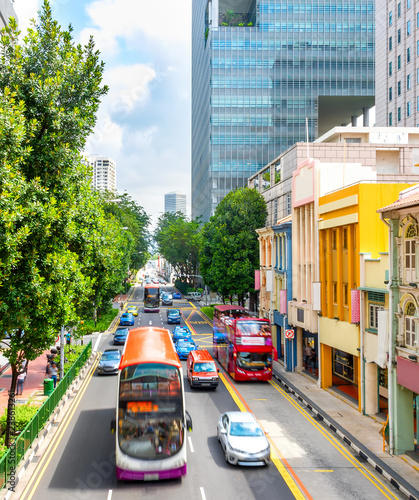 Tuinposter Aziatische Plekken traffic on Singapore city street