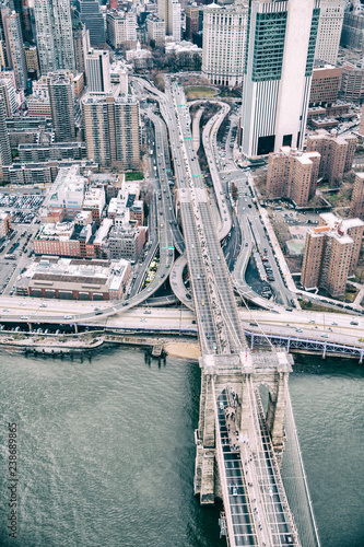 In de dag New York City Overhead aerial view of Brooklyn Bridge from helicopter, New York City in winter