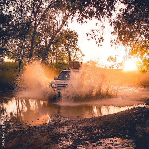 Foto auf Acrylglas Wald im Nebel Offroad fun on the Gibb River Road