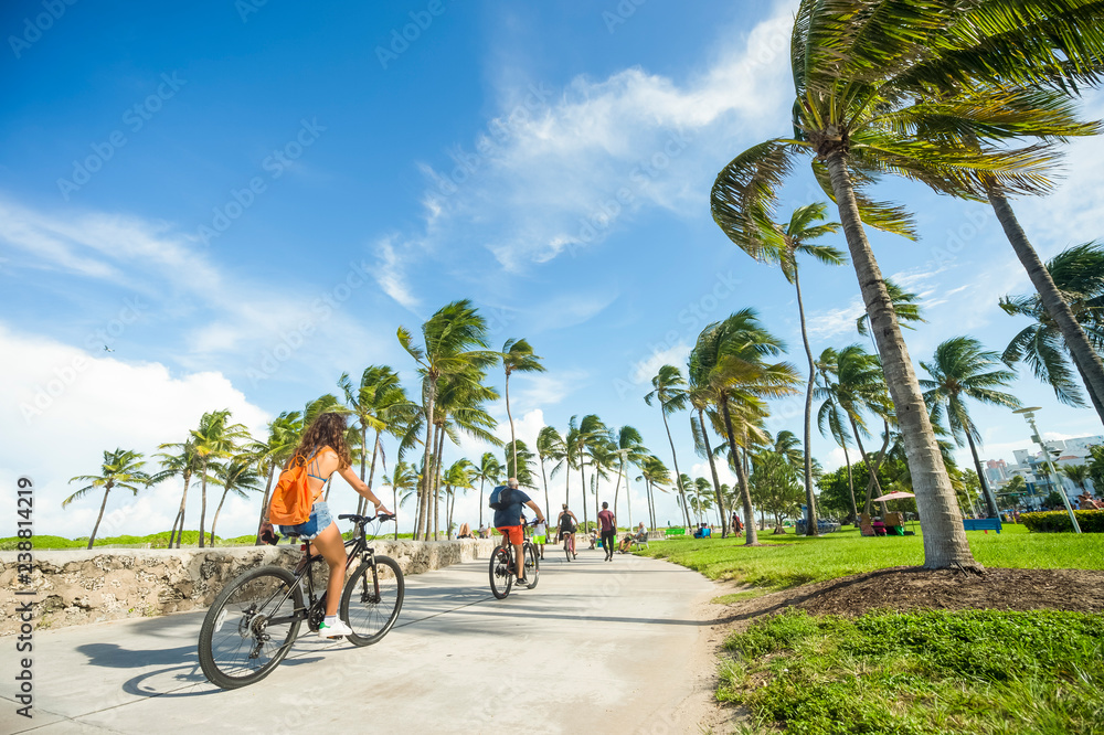 Fototapety, obrazy: Bright scenic morning view of the beachfront promenade in Lummus Park adjacent to historic Ocean Drive in South Beach, Miami, Florida