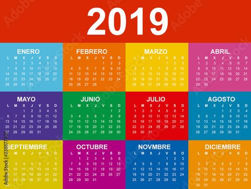 Calendario 2019 Illustrator.Calendario 2019 En Espanol Con Colores Saturados Buy This