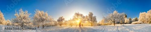 Photo Panorama von zauberhafter Winterlandschaft