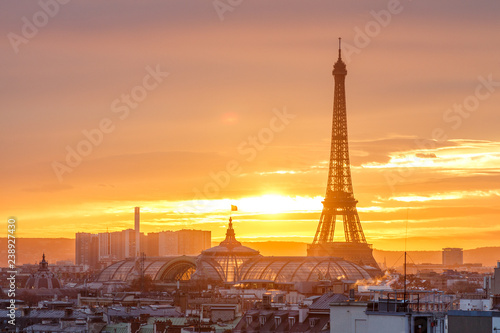 Photo Stands Paris aerial view from the heights on paris and the eiffel tower at sunset