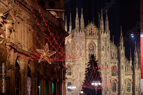 Fototapeta premium Mediolan Christmas lights 2018 Piazza Duomo and Gallery