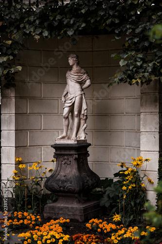 Fotografie, Obraz  Statue Monument