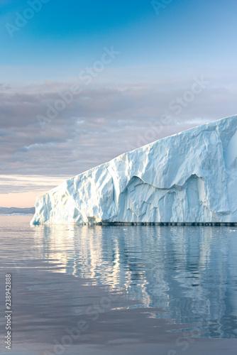 Foto auf Gartenposter Antarktika Glaciers on the Arctic Ocean in Greenland