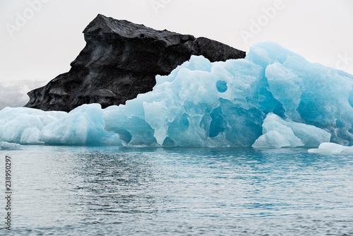 Deurstickers Antarctica Icebergs in the Jokulsarlon's lake, Iceland