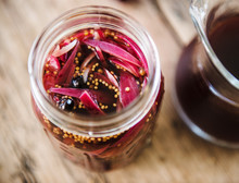 Pickled Onions With Mustard Seeds