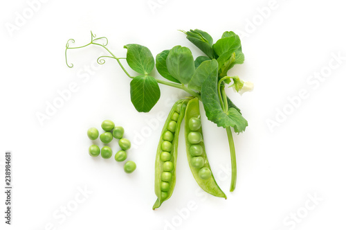 Carta da parati Isolated sweet green peas. Top view. White background. - Image