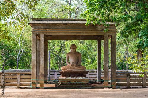 The Samadhi Statue is a statue situated at Mahamevnawa Park in Anuradhapura, Sri Lanka Canvas-taulu