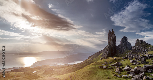 Cuadros en Lienzo The Old Man Of Storr on the Isle of Skye during sunrise