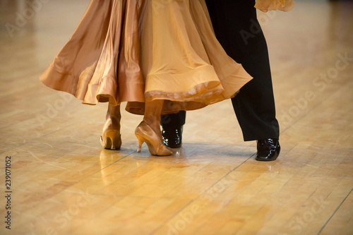 Fotografia woman and man dancer latino international dancing